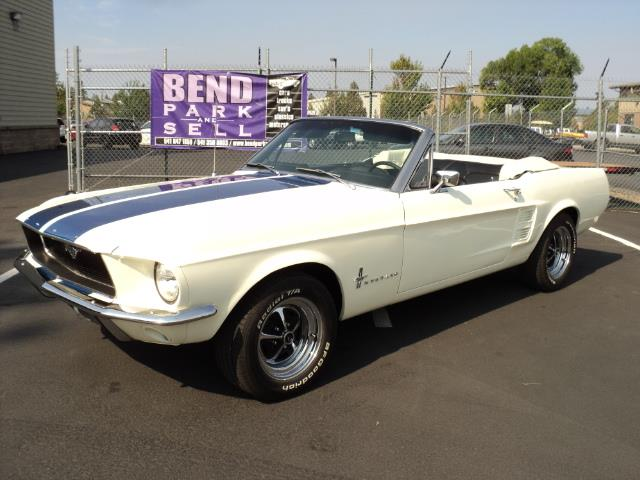 1967 Ford Mustang | 897154