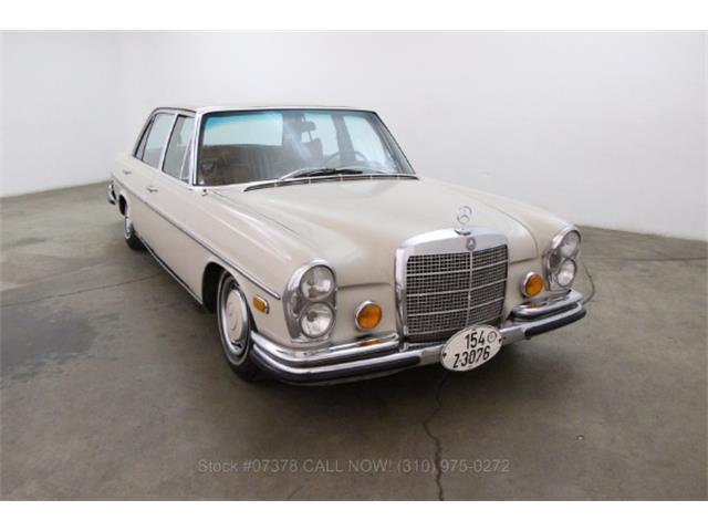 1971 Mercedes-Benz 300SEL | 897746