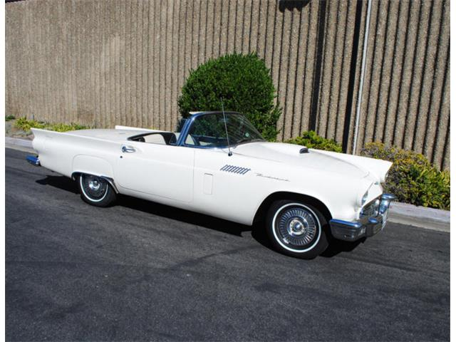 1957 Ford Thunderbird | 897790