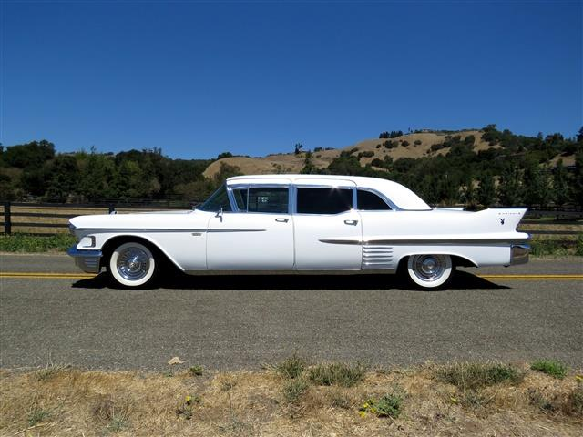 1958 Cadillac Series 75 Fleetwood Limousine | 898048