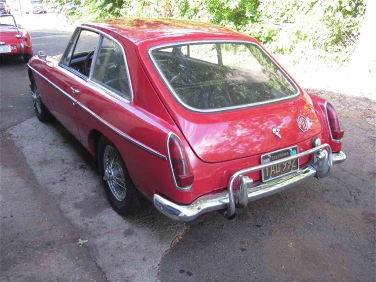 Large Picture of '67 MGB - J8YL