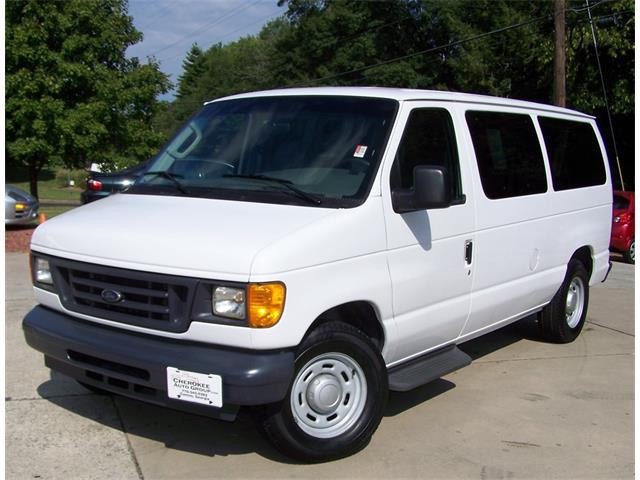 2006 Ford E150 Club Wagon | 898128