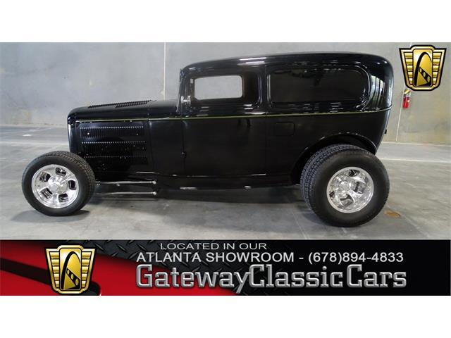 1932 Ford Sedan | 898160