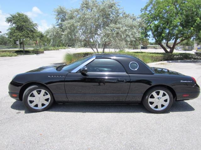 2002 Ford Thunderbird | 898176
