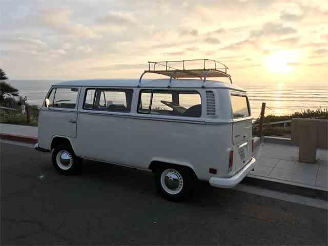 1972 Volkswagen Bus | 898304