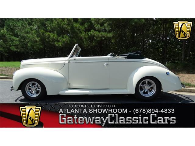 1940 Ford Cabriolet | 898361