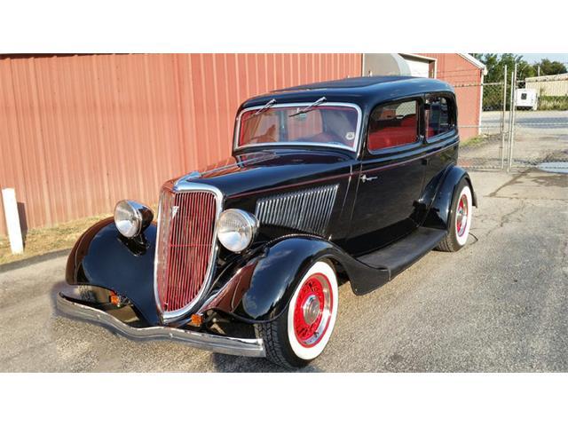 1933 Ford Sedan | 898733