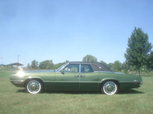 1971 Ford Thunderbird Four Door Landau | 898806