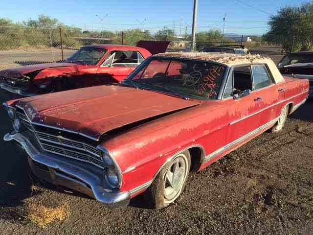 1967 Ford Galaxie 500 | 898818