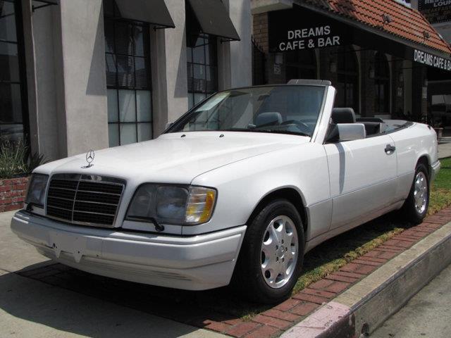 1995 Mercedes-Benz E-Class | 898831