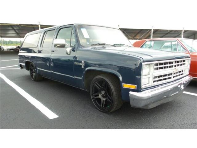 1986 Chevrolet Suburban   899000