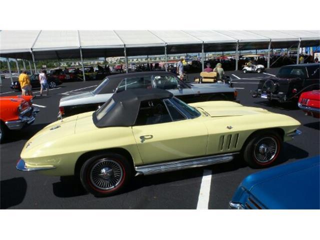 1965 Chevrolet Corvette | 899270