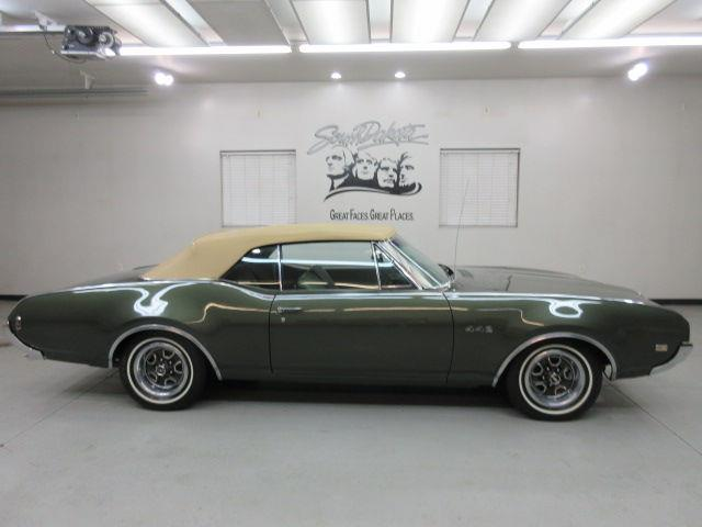 1968 Oldsmobile Cutlass | 899938