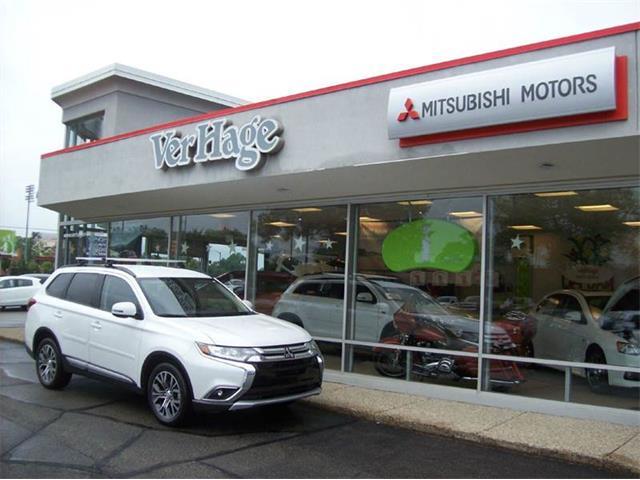 2016 Mitsubishi Outlander | 901092
