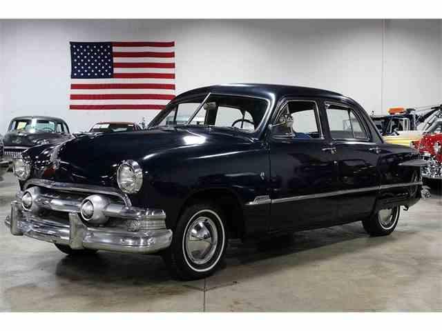 1951 Ford Sedan | 901161