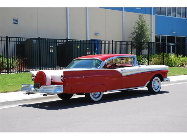 1957 Ford Fairlane | 901759