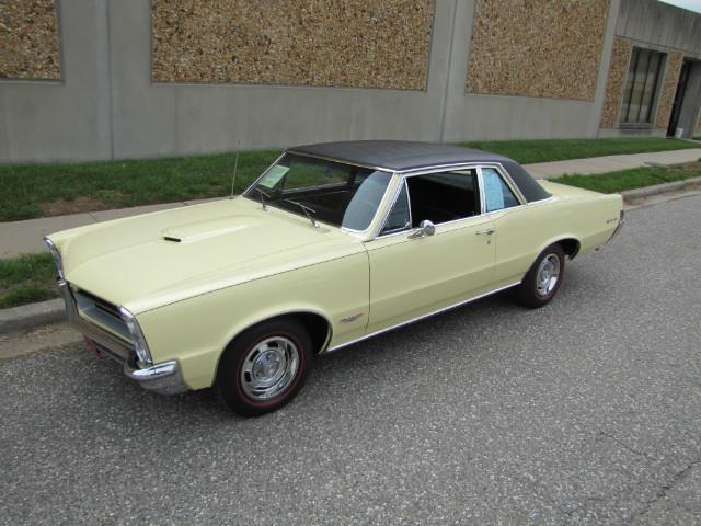 1965 Pontiac GTO   901819