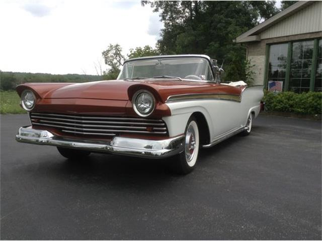 1957 Ford Convertible | 901935