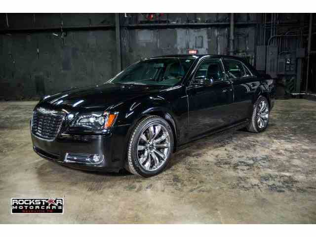 2014 Chrysler 300 | 902073