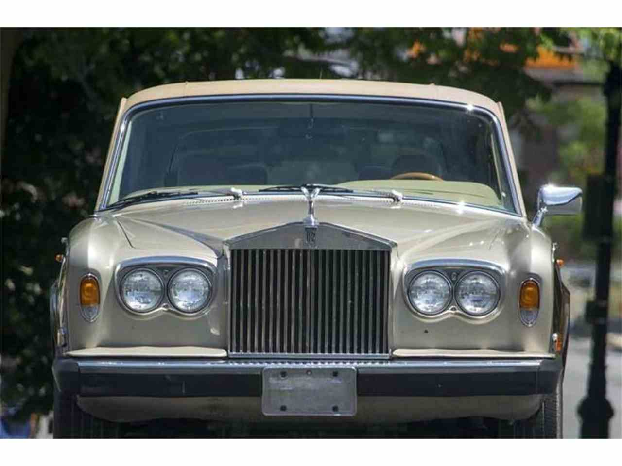 Large Picture of '79 Silver Wraith - JC24