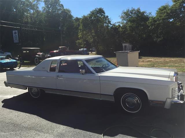 1977 Lincoln Town Car | 902249