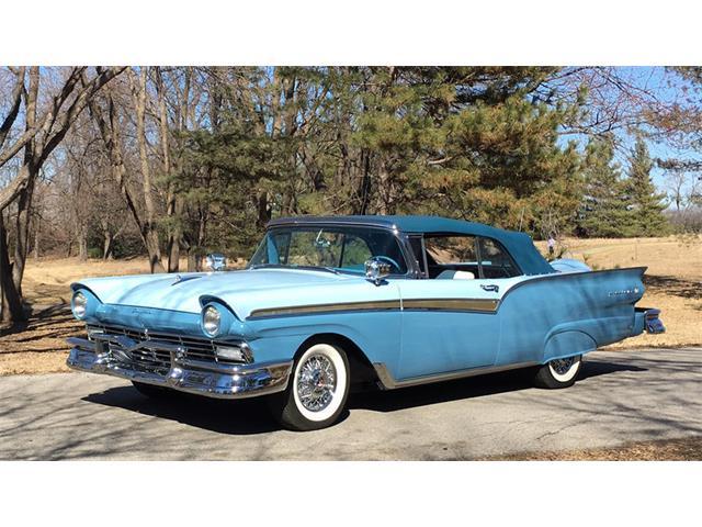 1957 Ford Fairlane | 902640