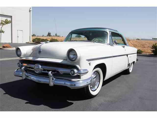 1954 Ford Crestline | 902702
