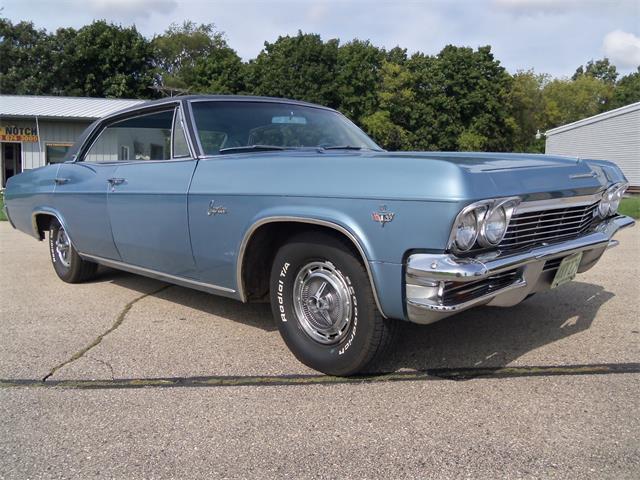 1965 Chevrolet Caprice Hardtop Sedan | 902841
