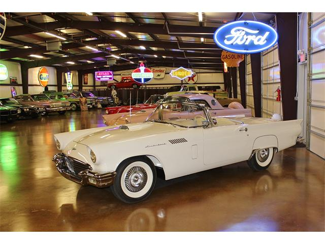 1957 Ford Thunderbird | 902978