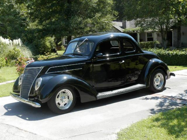 1937 Ford Coupe | 900303