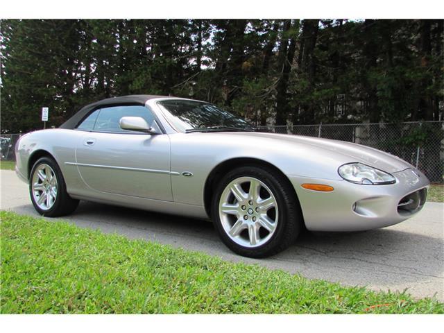 2000 Jaguar XK8 | 903075