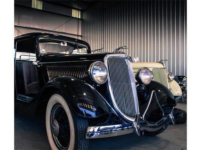 1934 Ford Sedan | 903205