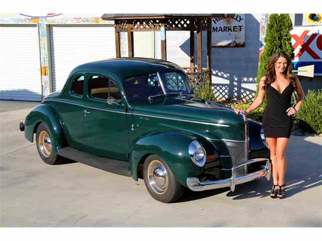 1940 Ford Coupe   903313