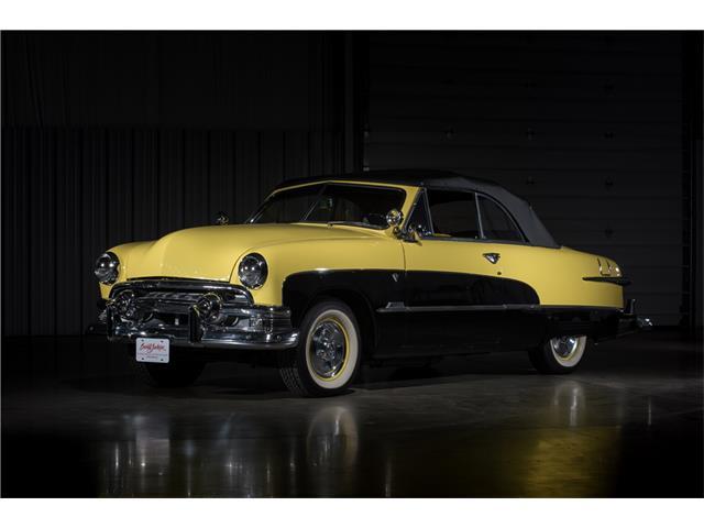1951 Ford Custom Deluxe | 900408