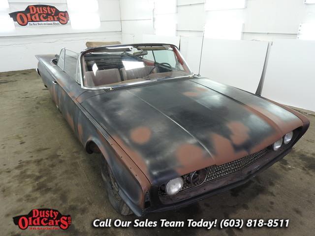 1960 Ford Sunliner | 904166
