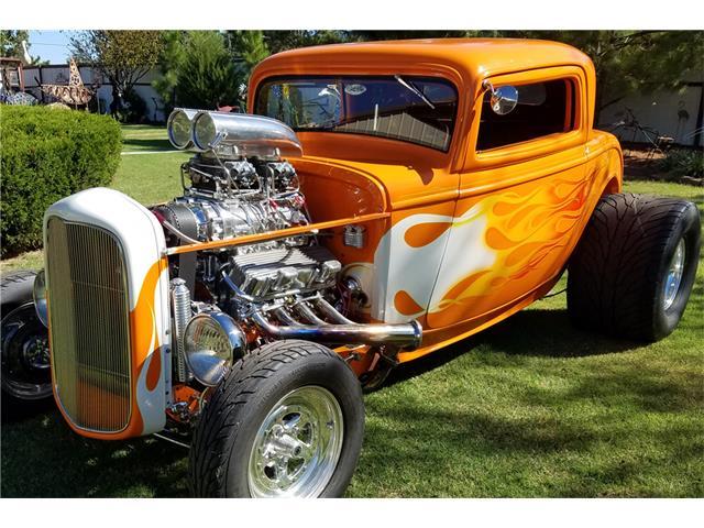 1932 Ford 3 Window   900459