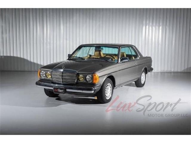 1985 Mercedes-Benz 300CD Coupe | 904659