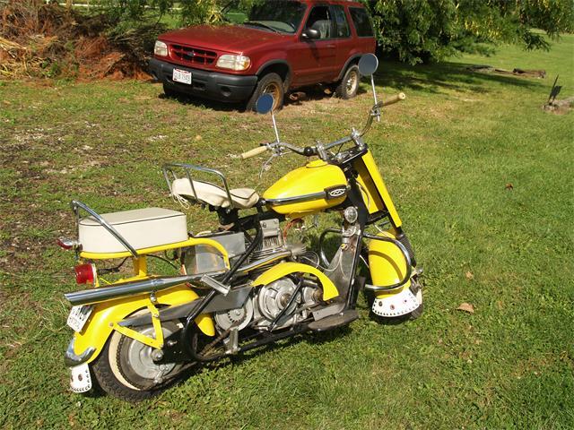 1965 Cushman Motorcycle | 904756