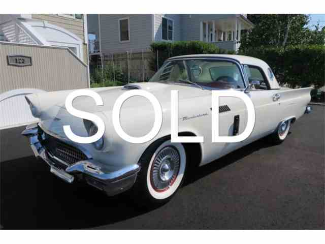 1957 Ford Thunderbird | 904812