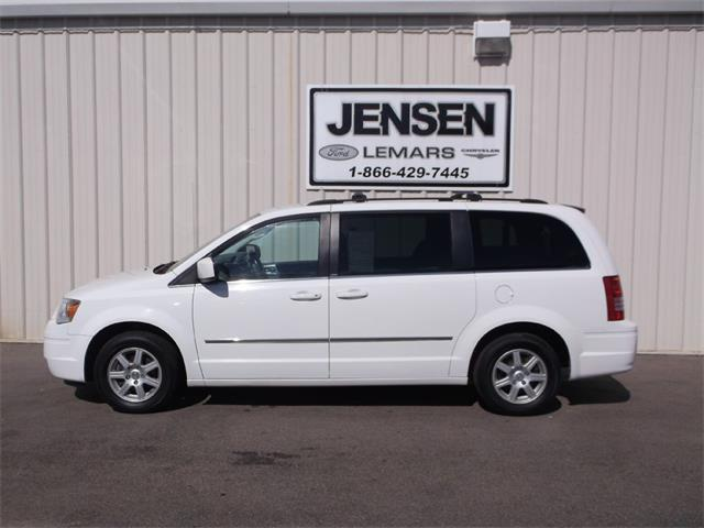 2010 Chrysler Town & Country Touring | 905042
