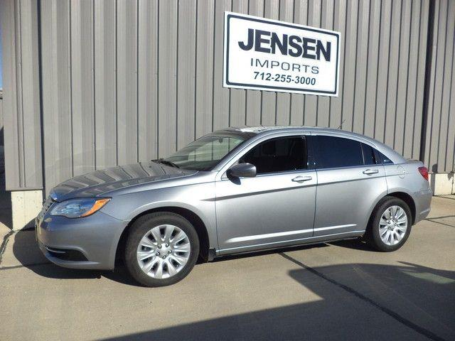 2014 Chrysler 200 | 905189
