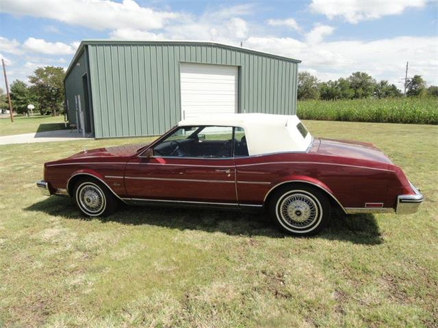 1984 Buick Riviera | 905224