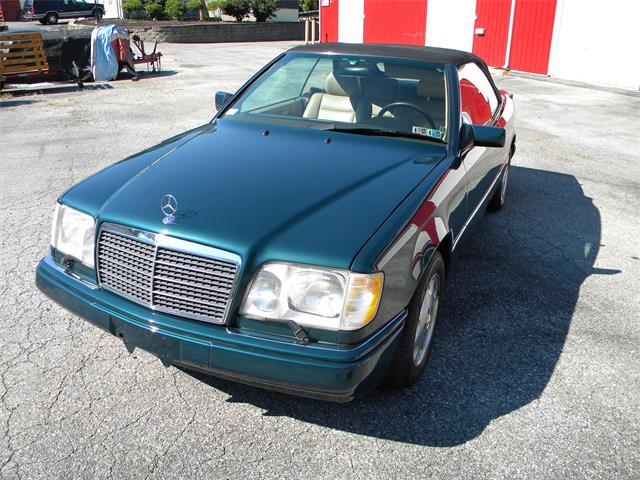 1995 Mercedes-Benz 320E | 905848