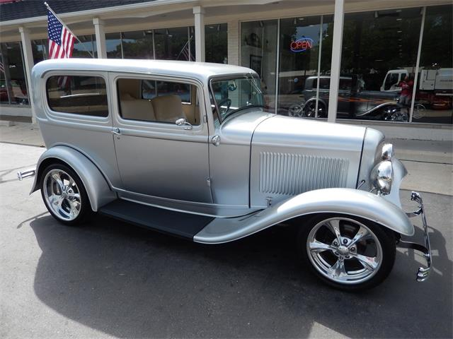 1932 Ford 3 Window | 905856