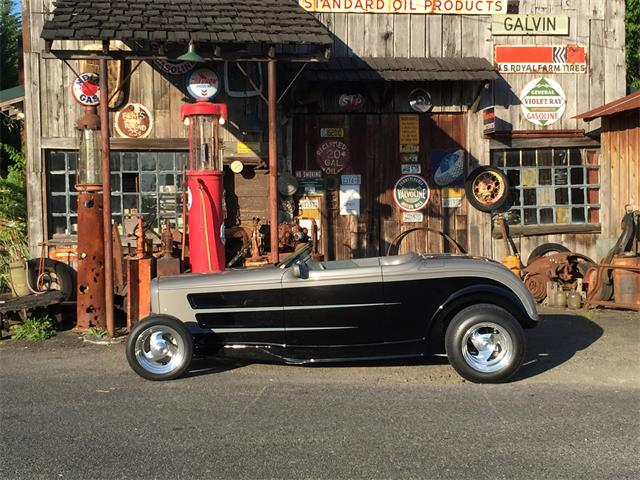1932 Ford Custom | 905975