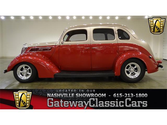 1937 Ford Sedan | 906434