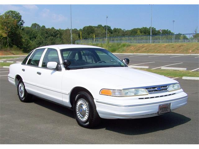 1997 Ford Crown Victoria | 900649