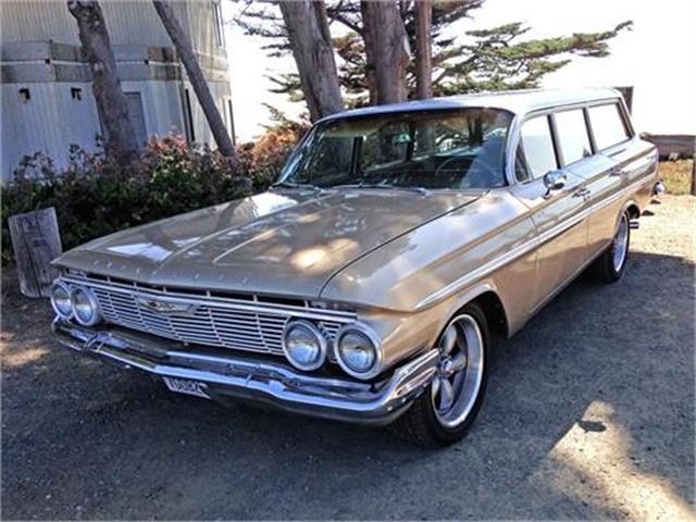 1961 Chevrolet Parkwood | 906492