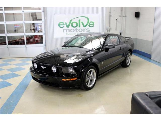 2005 Ford Mustang | 906886