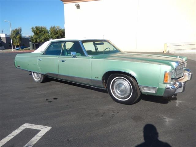 1975 Chrysler New Yorker | 900693